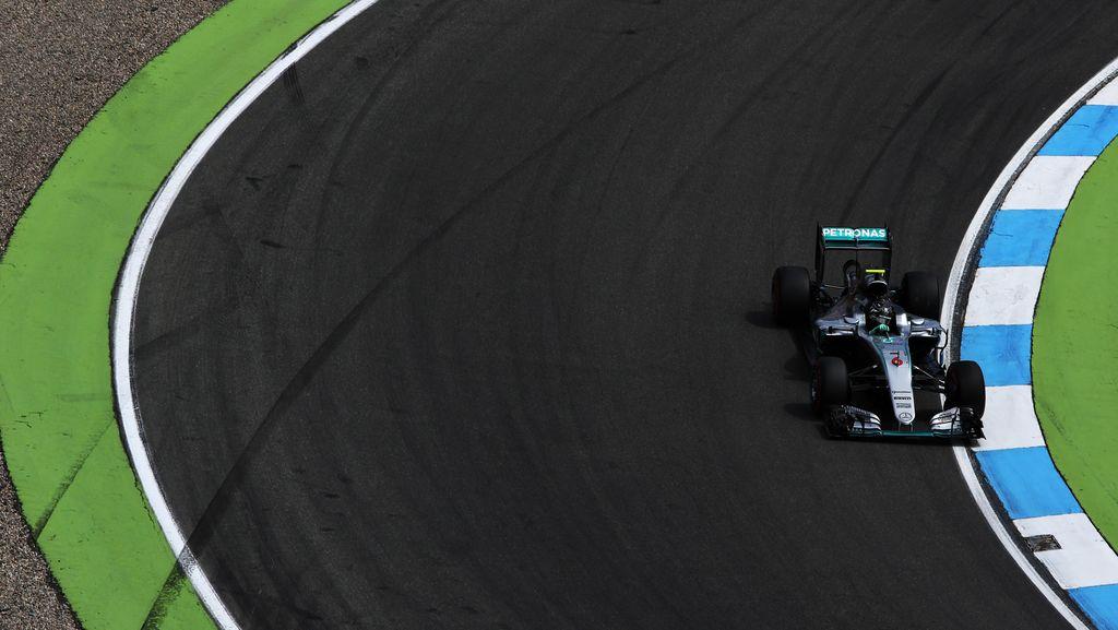 Rosberg Start Terdepan, Hamilton Kedua