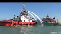 Kapal Kargo Terbakar di Selat Madura, Seorang ABK Alami Luka Bakar