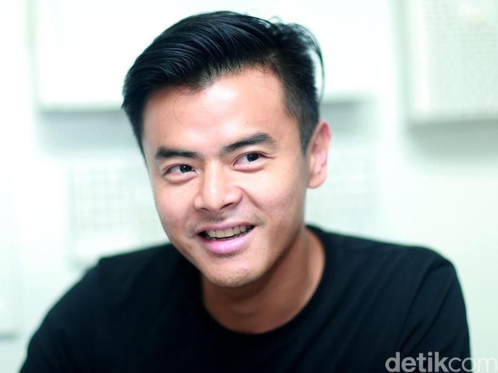 Main Film Adaptasi Novel Populer, Dion Wiyoko Bangga Sekaligus Khawatir