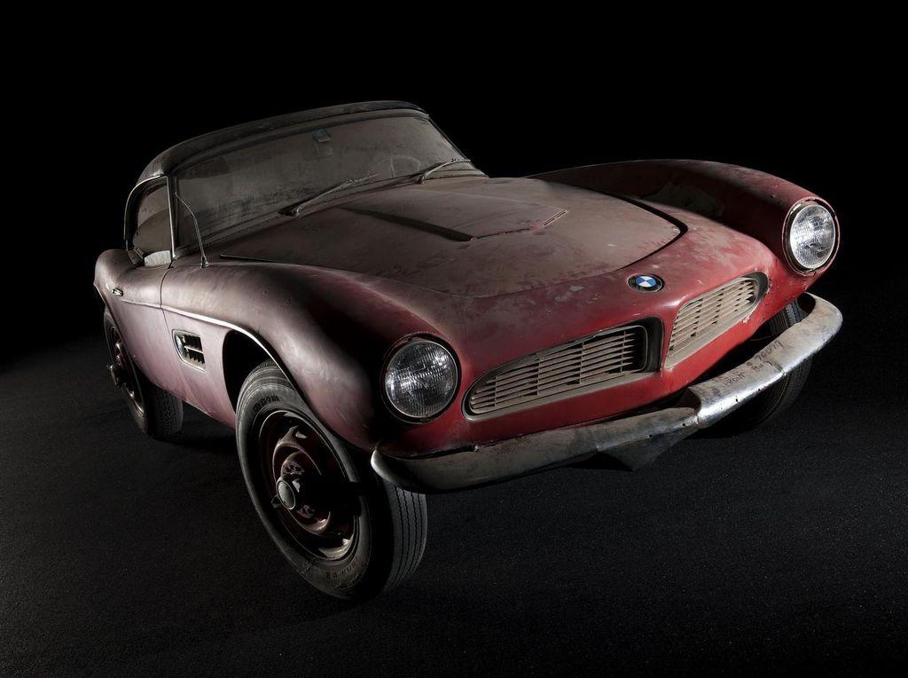 Mobil BMW Elvis Presley Direstorasi Jadi Cantik Lagi