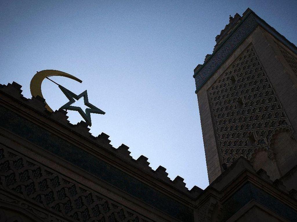 Keterlaluan, Ada Masjid di Prancis yang Digambari Simbol Nazi