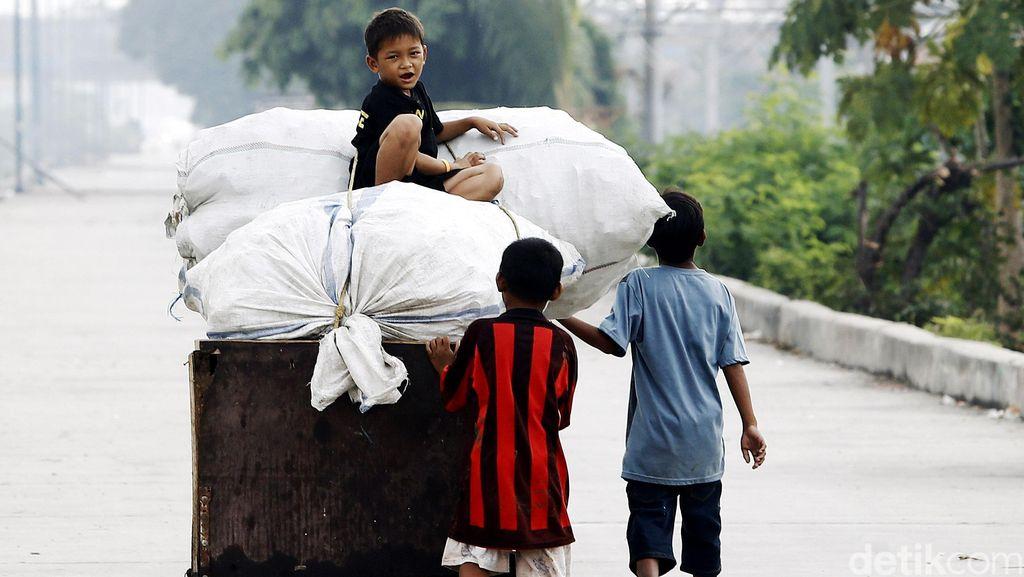 Kehidupan Anak Pemulung di Jakarta