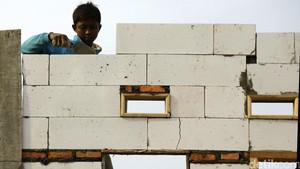 Bangun Rumah Pekerja Rp 112 Juta di Depok, Jokowi: Di Jakarta Mana Lahannya?