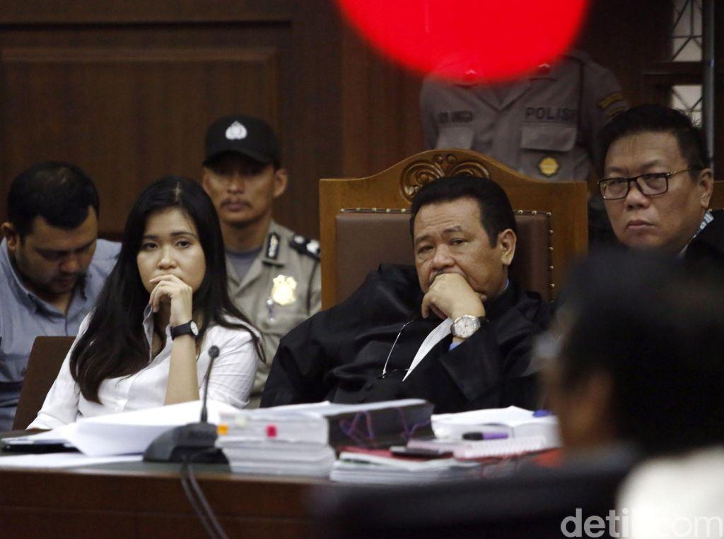 Debat Saksi Ahli dan Pengacara Jessica Soal Pergerakan di CCTV