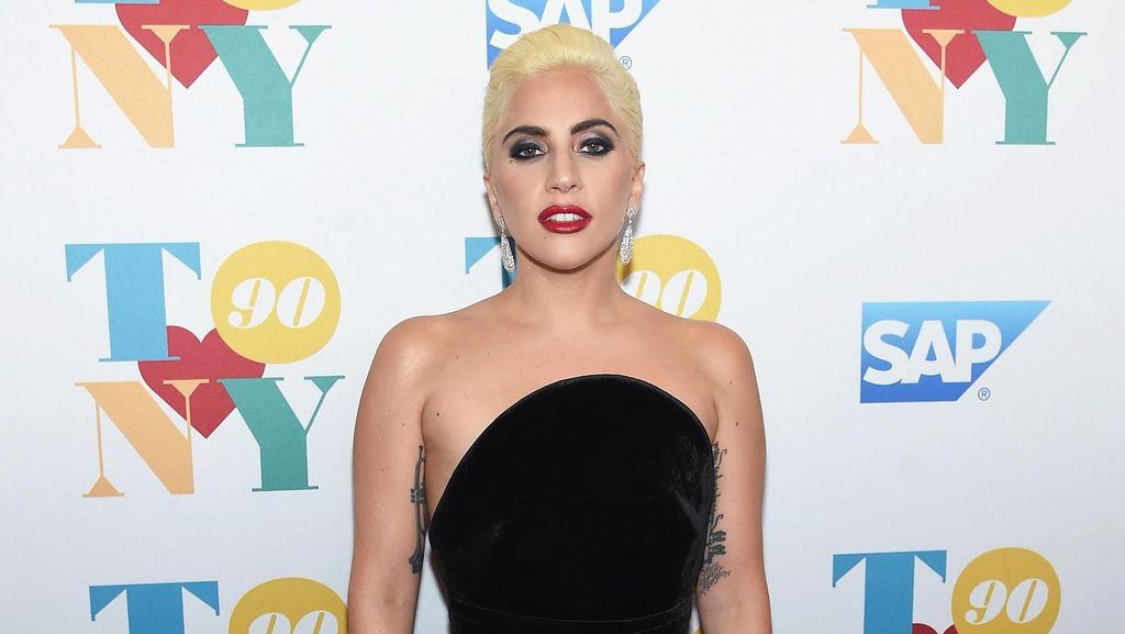 Mengaku Pernah Diperkosa, Lady Gaga Kini Giat Kampanye Kesadaran PTSD