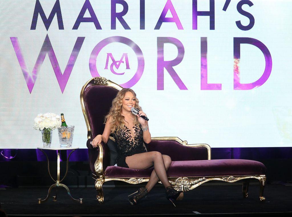 Mariah Carey Menyalahkan Semua Orang atas Insiden Tahun Baru 2017