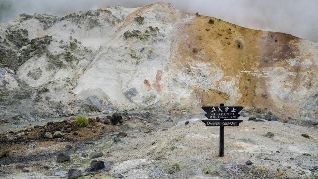 Beginilah Lembah Neraka di Jepang