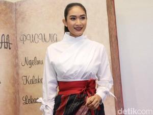 Renita Sukardi Meninggal Karena Kanker, Happy Salma Trauma