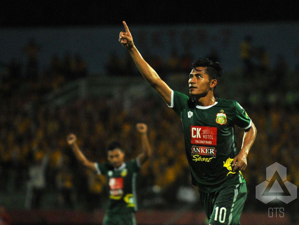 Surabaya United Tak Pandang Remeh Persipura