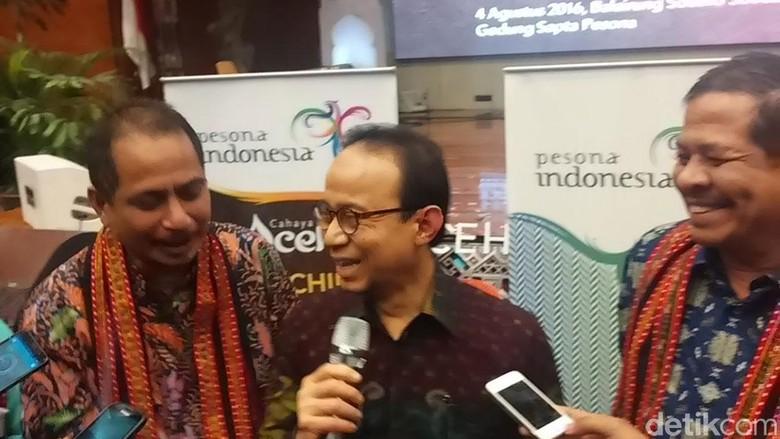 Menpar Arief Yahya dan Ketua Tim Percepatan Wisata Halal, Riyanto Sofyan (Randy/detikTravel)