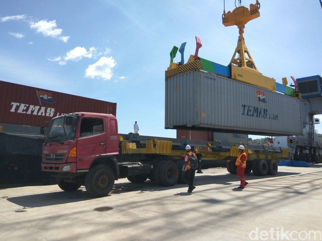 Pangkas Dwell Time, Luhut Ingin Ada Dry Port di Tangerang