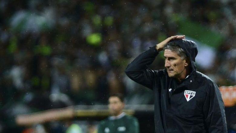 pelatih baru argentina cuma akan ngobrol soal sepakbola