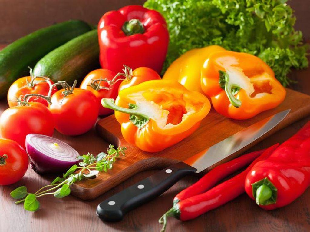 Buah dan Sayur, Lebih Sehat Dimasak Atau Dimakan Mentah?
