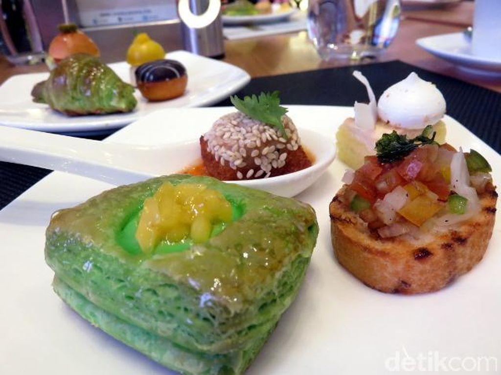 Mencicipi Aneka Pastry dan Kue Sepuasnya di Sunday High Tea