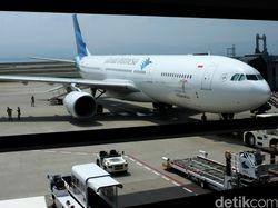 Bisnis Terimbas Corona, Garuda Pangkas Jumlah Pilot