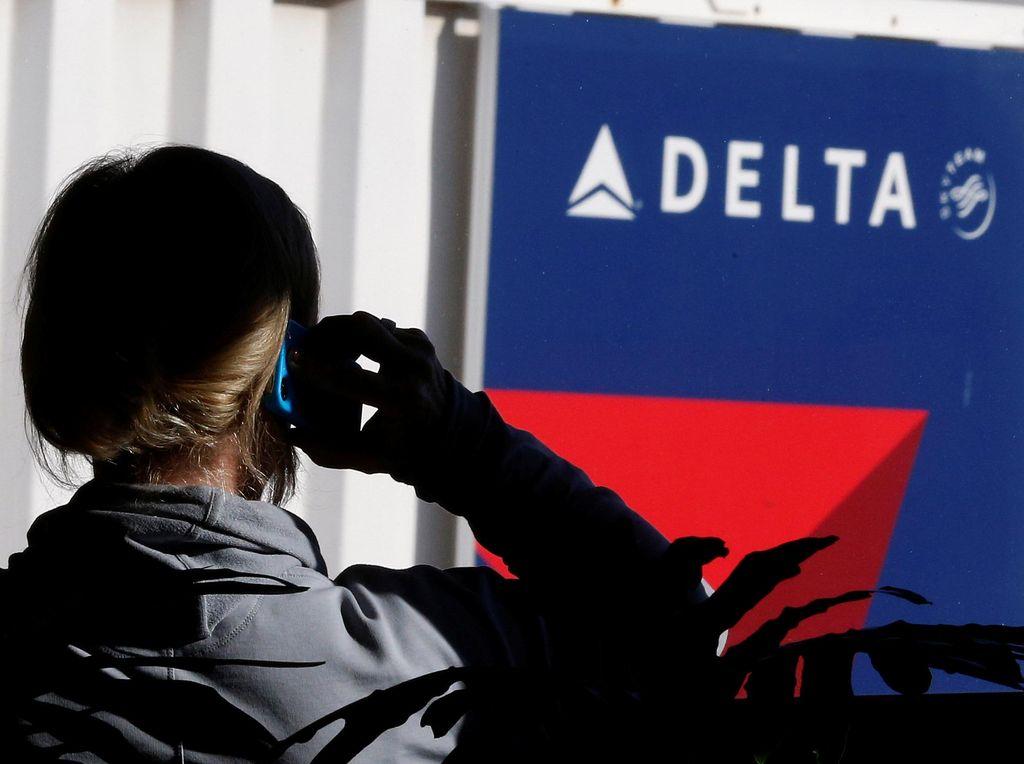 Delta Kembali Suguhkan Alkohol di Pesawat, tapi...