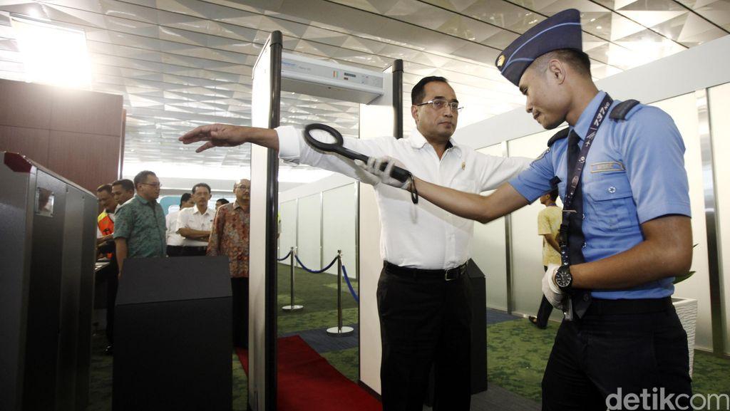 Menhub Budi Karya Tinjau Terminal 3 Ultimate