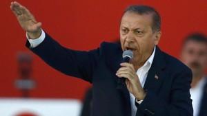 AS Rilis Perintah Penangkapan untuk 12 Pengawalnya, Erdogan Geram