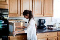 Perlu Kamu Tahu, 9 Hal yang Bisa Dilakukan dengan Microwave
