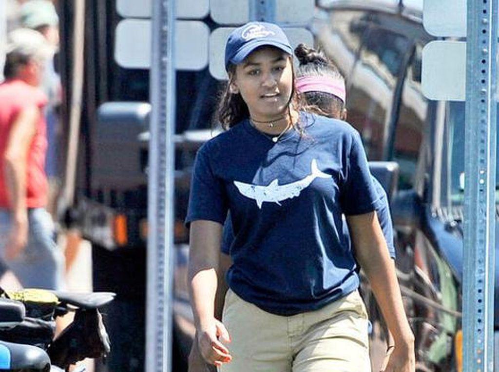 Libur Musim Panas, Sasha Obama Bekerja Paruh Waktu di Restoran Seafood