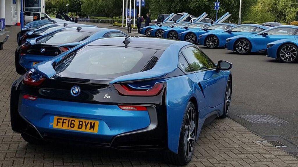 Pemilik Klub Leicester City Hadiahkan Pemainnya Dengan BMW i8