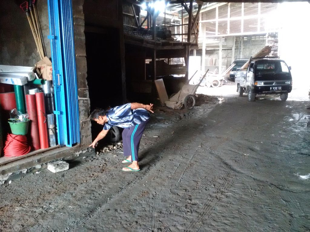 Polisi Cek Semburan Lumpur Dekat Marunda, Rumah Warga Didata