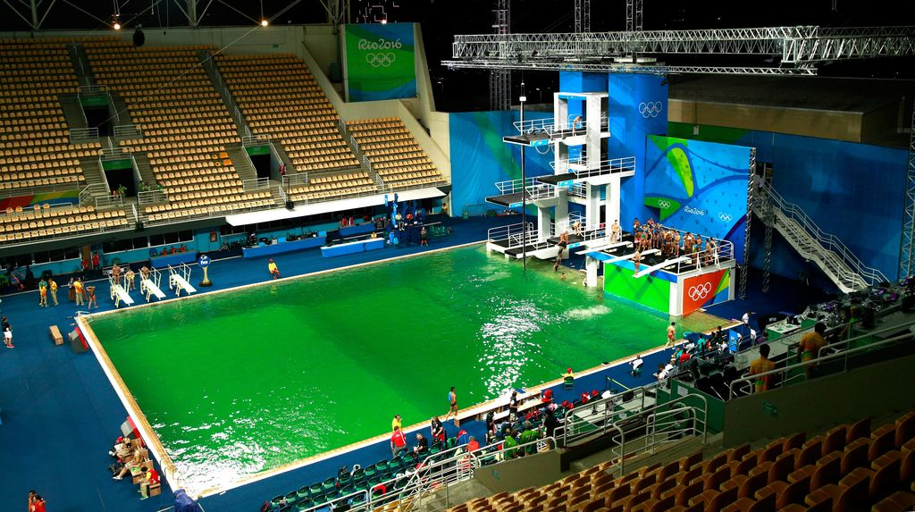 Kok Kolam Olimpiade Berubah Hijau?