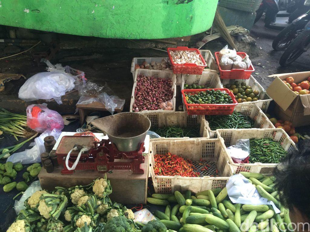 Segini Omzet Pedagang Sayur yang Viral Disepelekan Camer