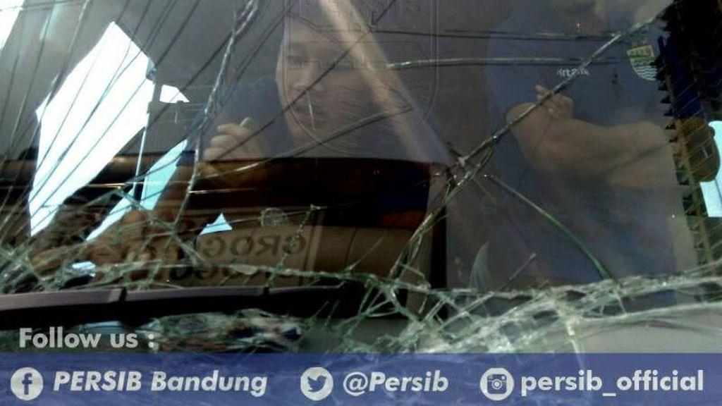 Rem Blong, Bus Skuat Persib Alami Kecelakaan di Bekasi Barat