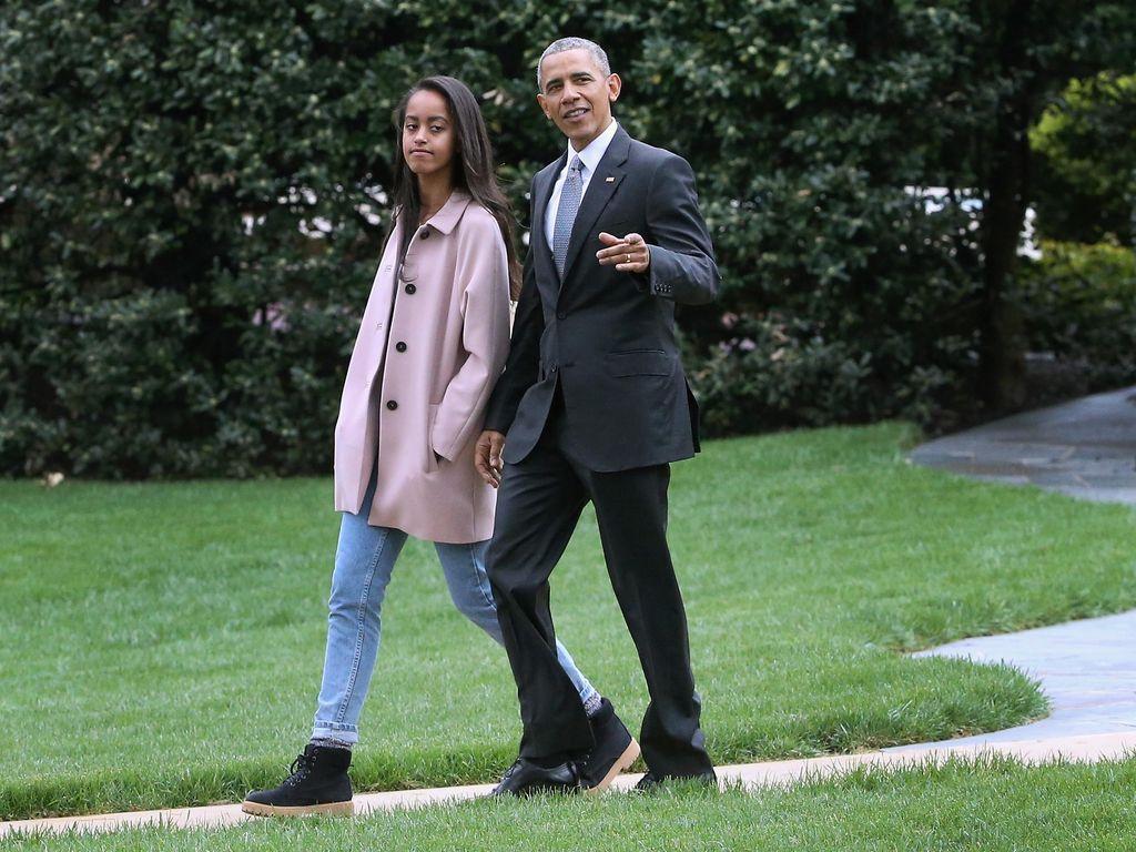Merokok di Festival Musik, Putri Presiden Obama Jadi Kontroversi