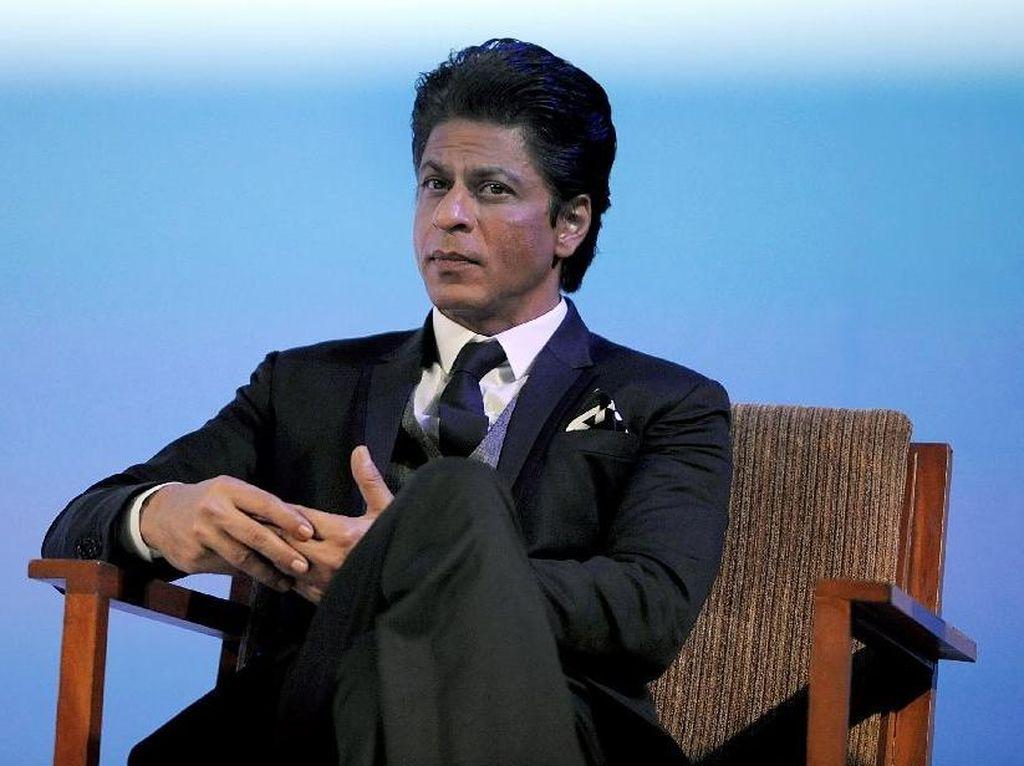 Shah Rukh Khan Langsung Ucapkan Idul Fitri ke Ribuan Fans