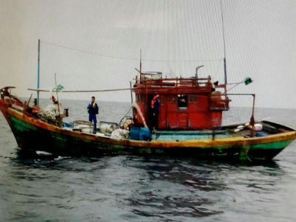 Polri Tangkap 2 Kapal Vietnam yang Curi Ikan di Perairan Natuna