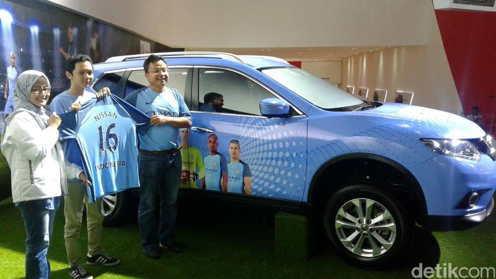 Pakai Seragam Manchester City, Nissan X-Trail Ini Bisa Main Game Bola