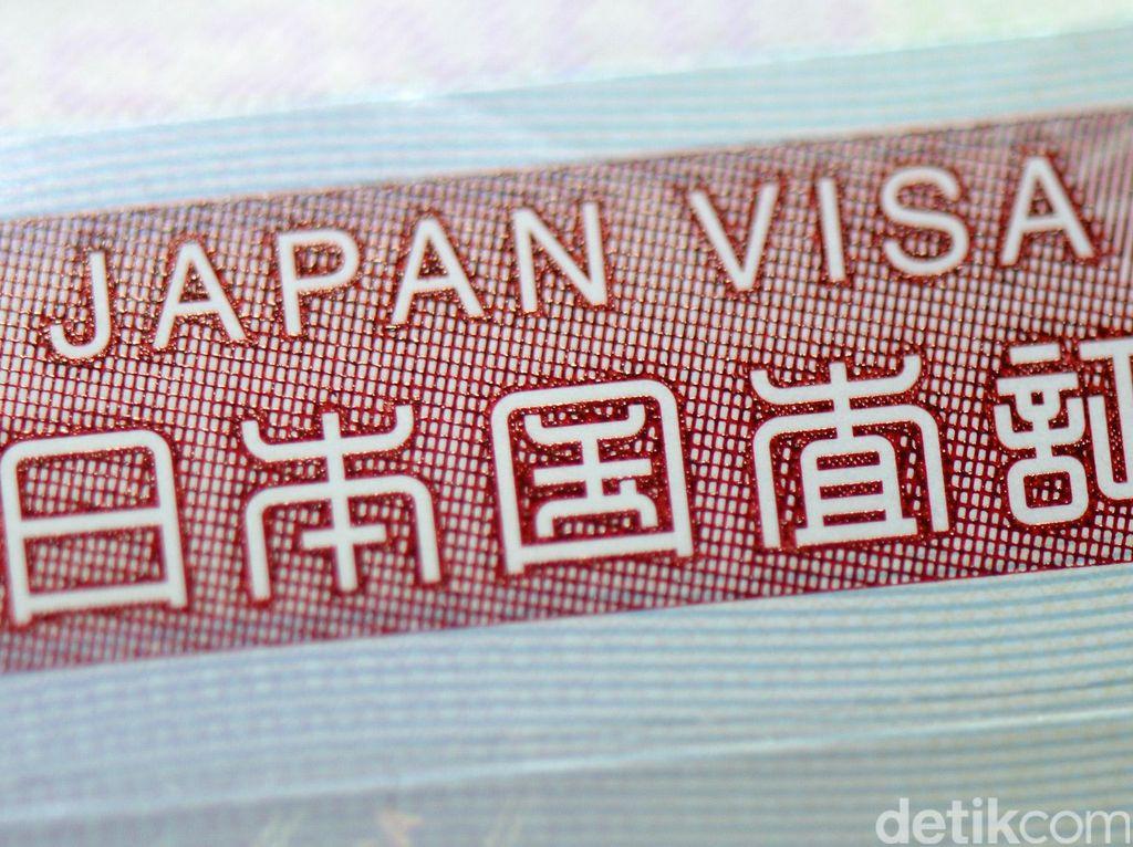 Sandiaga Sepakat Bebas Visa Kunjungan Ditinjau Ulang, Turis Harus Berkualitas