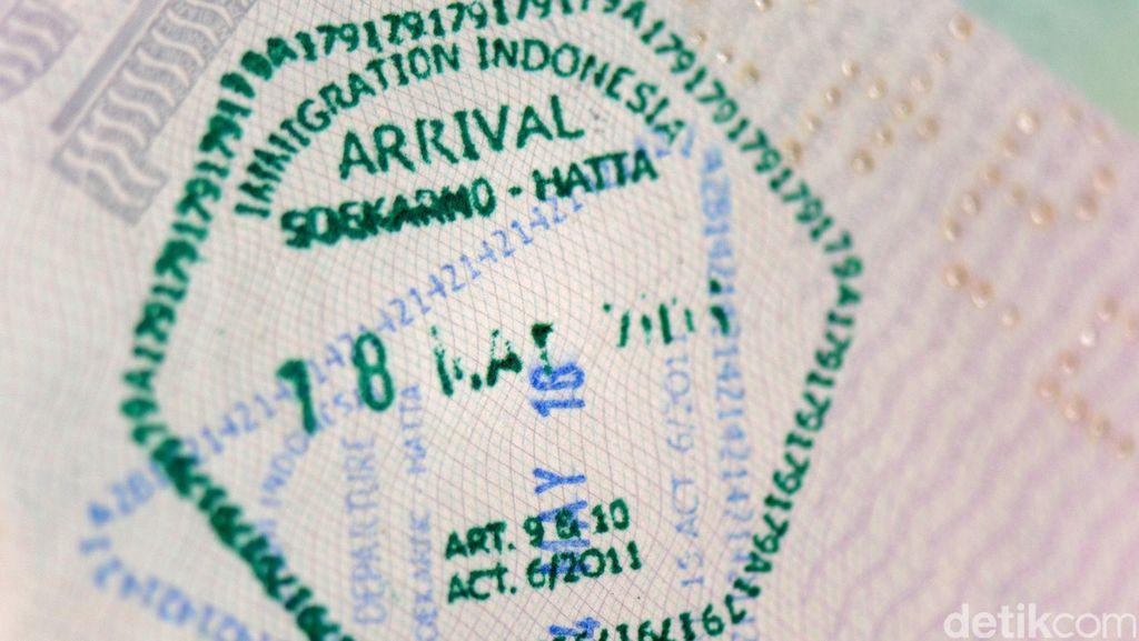 Imigrasi Pekanbaru Amankan 35 TKA Asal China