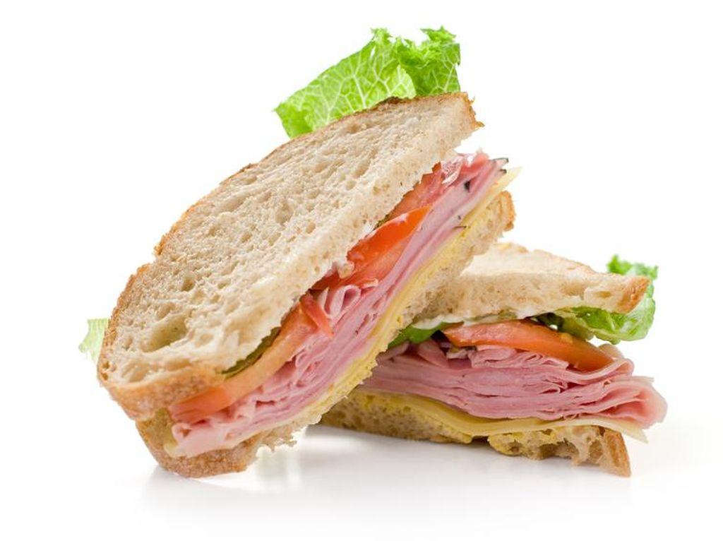 Ini Cara Membuat Roti Panggang yang Renyah untuk Sandwich