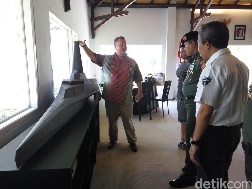 Produsen Kapal Siluman Made in Banyuwangi Ini Rancang Tank Laut