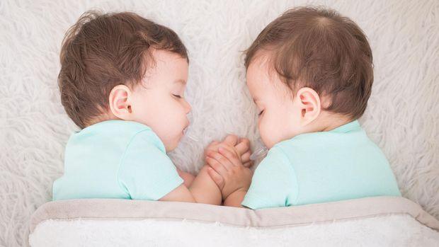 Ilustrasi bayi kembar