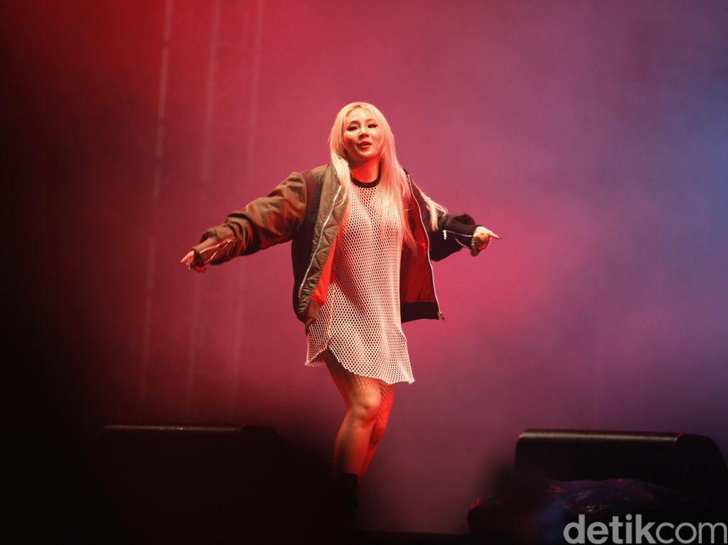 Duh! CL Jatuh saat Datang ke Pernikahan Taeyang