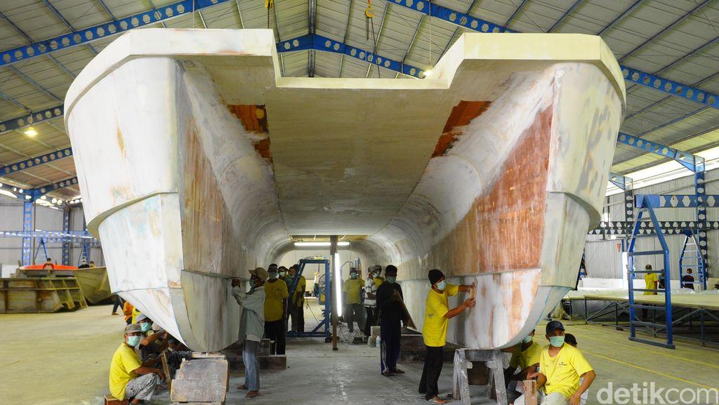 Menengok Pabrik Kapal Perang Siluman Made in Banyuwangi