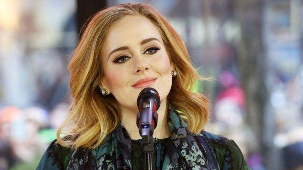 Akankah Adele Borong Nominasi Lagi di Grammy 2017?