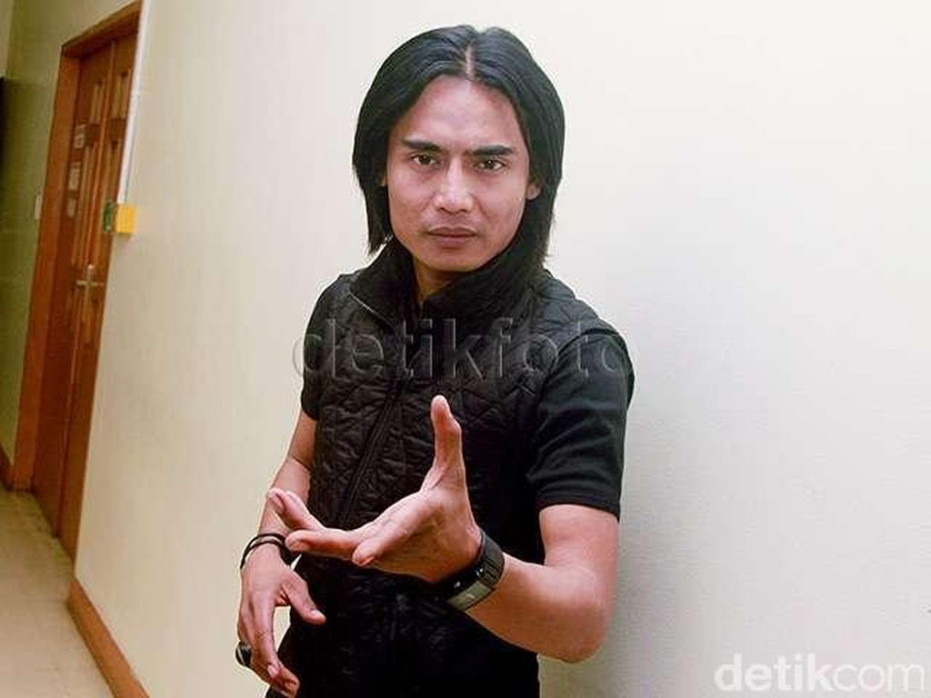 Pro Kontra Charly Van Houten Jadi Duta Pendidikan Jawa Barat