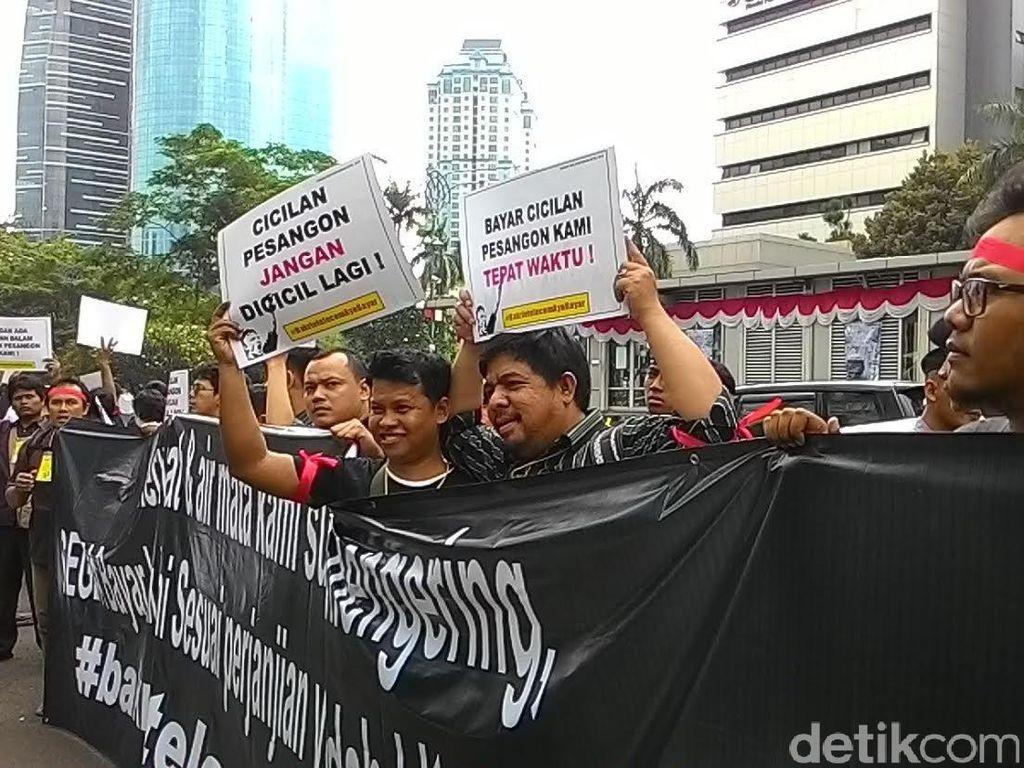 Cerita Eks Karyawan Bakrie Telecom Tuntut Pesangon