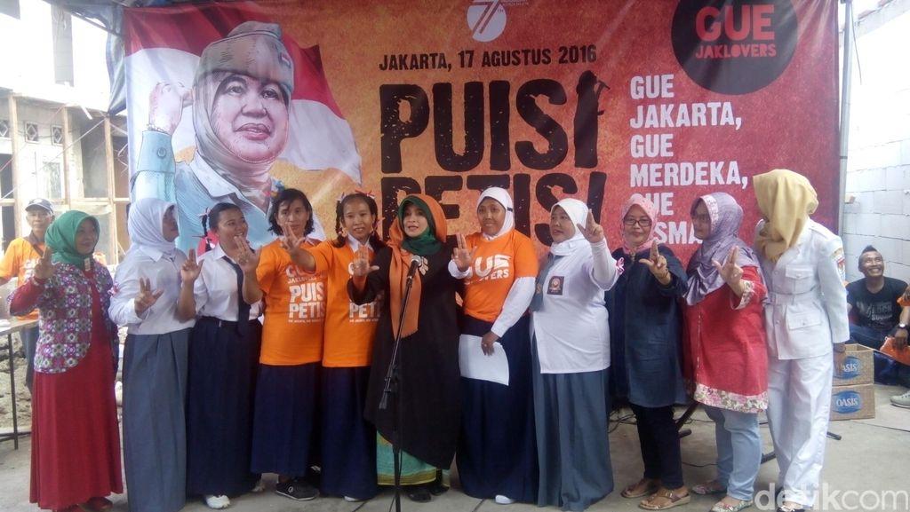 Warga Korban Kebakaran Simprug Baca Puisi untuk Panggil Risma ke Jakarta
