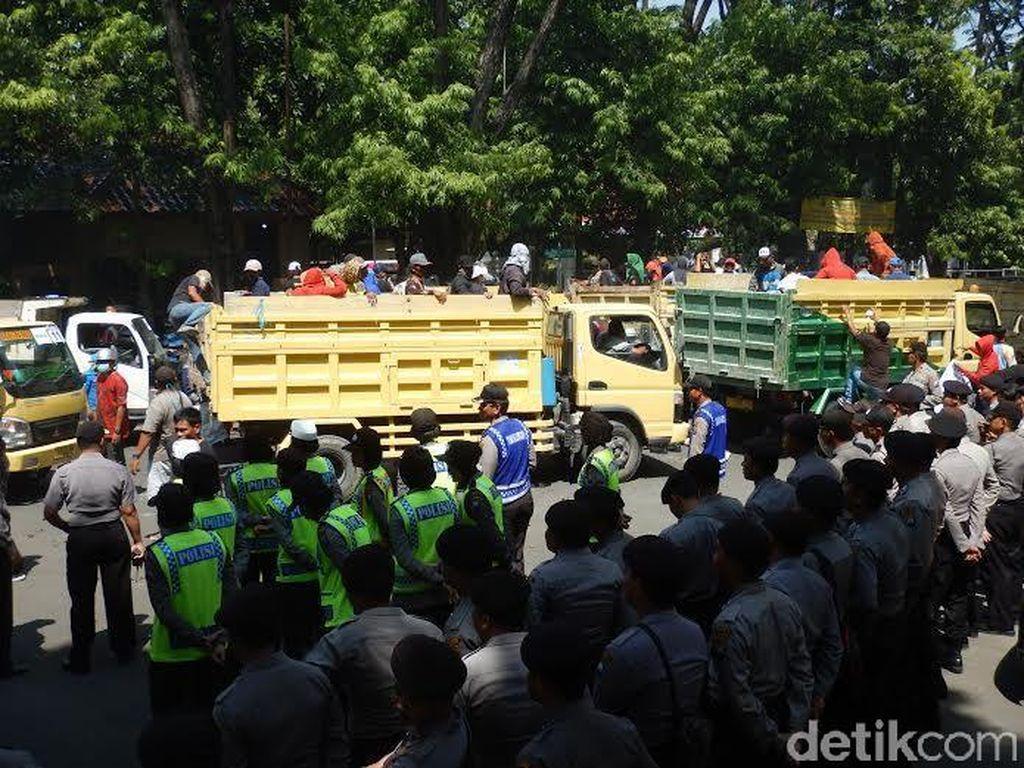 Warga Blok Cepu Demo Tuntut Pemerintah Tinjau Ulang Amdal ExxonMobil