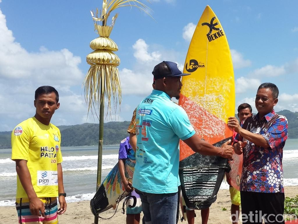 Meriahkan HUT RI, Pacitan Gelar Asian Surfing Championship