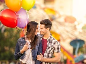 Ini Alasan Jalan-jalan dengan Pasangan Bisa Buat Hubungan Lebih Bahagia