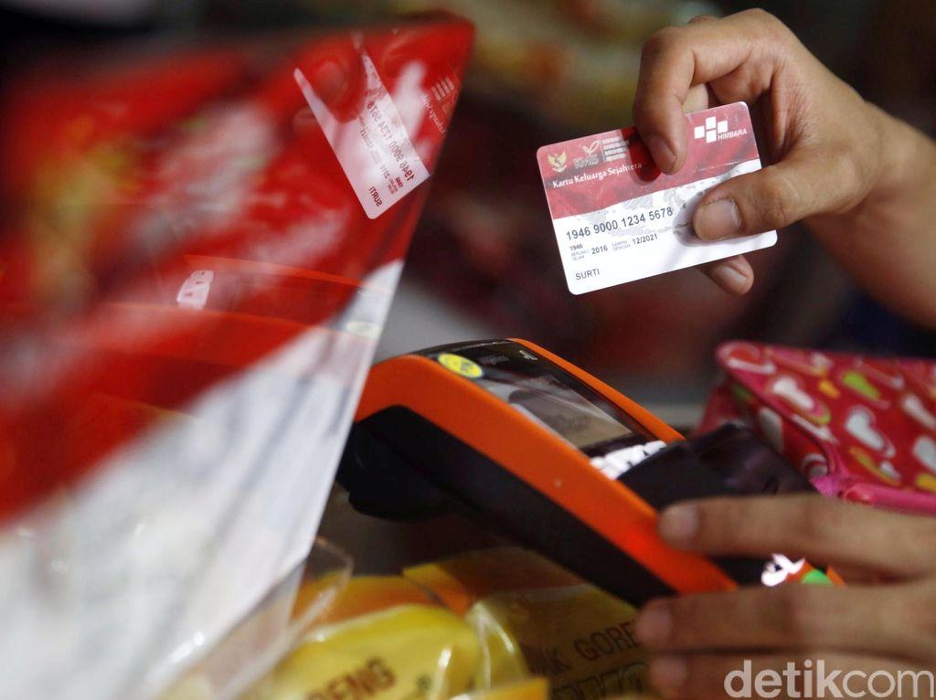 Untung Rugi Bantuan Pangan Pakai Kartu Subsidi