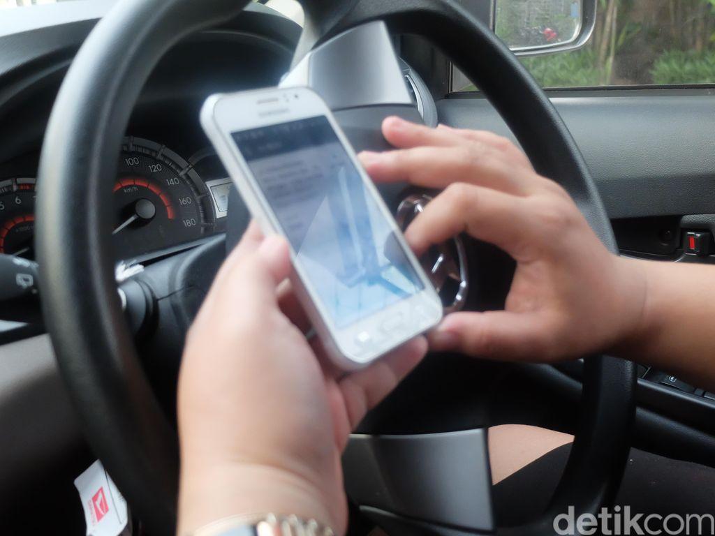 Sopir Taksi Online Belum Tahu Ada Perubahan Tarif