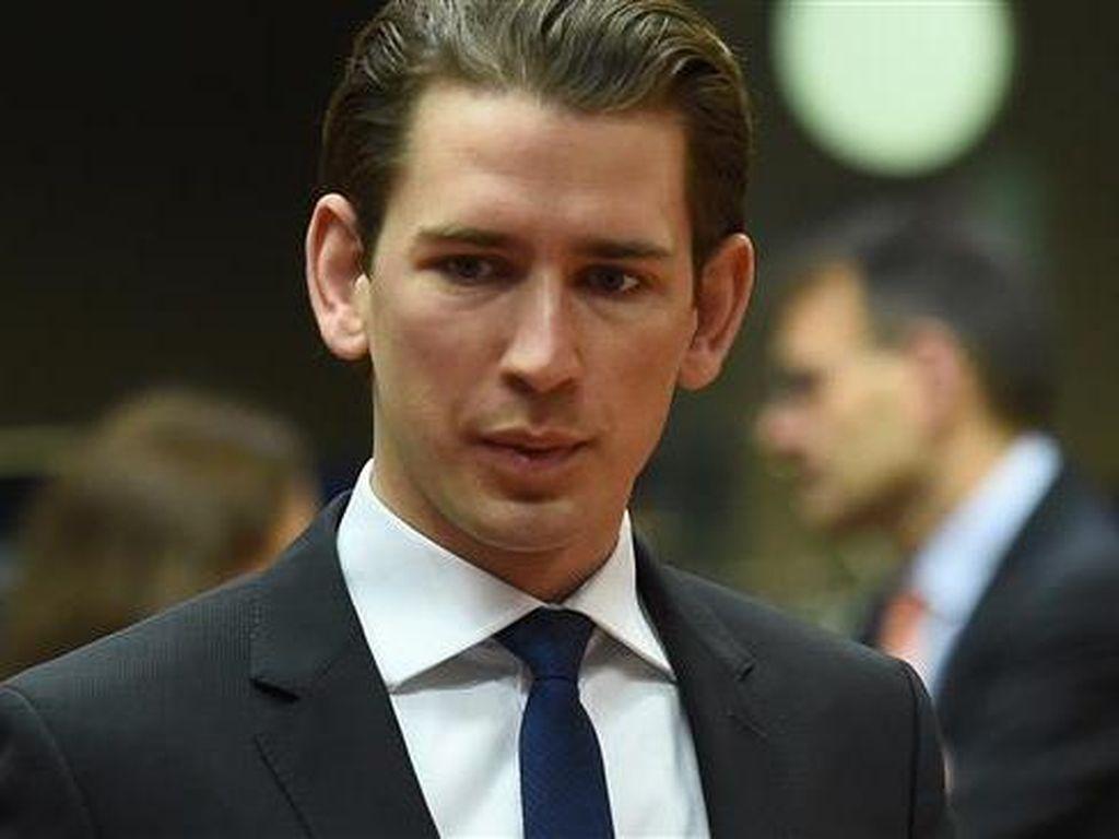 Menteri Luar Negeri Austria Serukan Larangan Pemakaian Burka